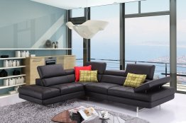 A761 Italian Leather Sectional in Black